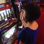 Что делать если жена запрещает играть в игровые автоматы Вулкан 24 онлайн